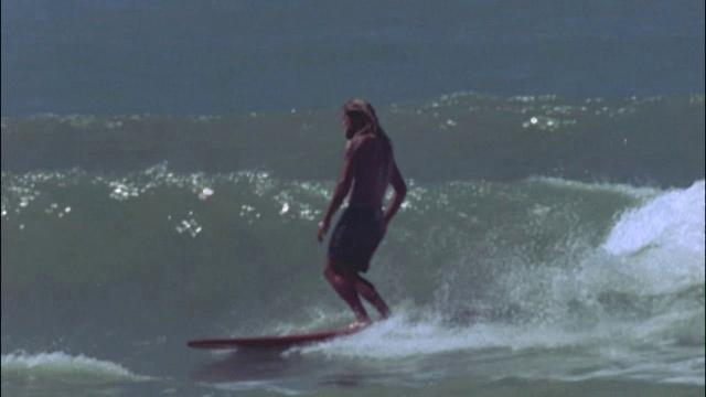 Surf Italy!  Bella Vita longboard session