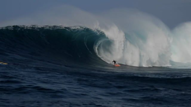 Peahi / JAWS January 2016 - History in the Making by: Wangdu Hovey