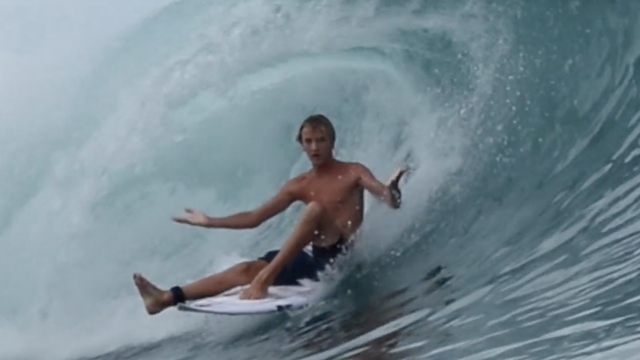 Radical surfing at Macaronis by Jamie Thomson
