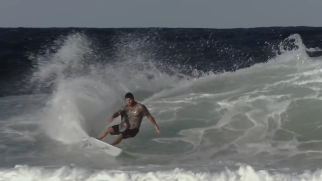 Jay Davies + 26°C water + onshore walls = One Hot Summer