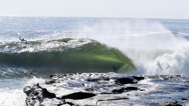Surfing Cyclone Uesi -Sydney's Cape Solander