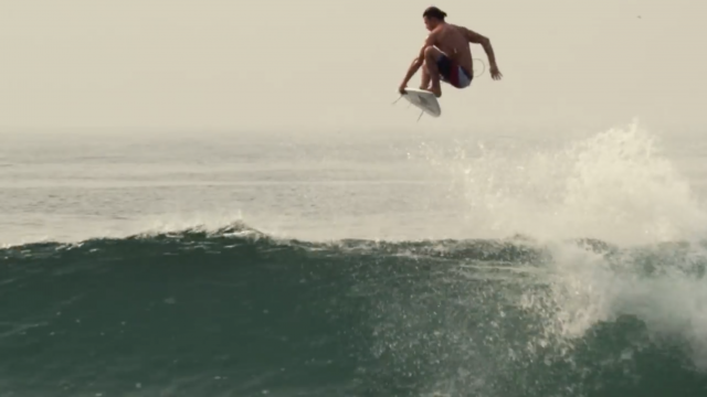 Enjoy The $2 Piano; Dane Reynolds Mexico