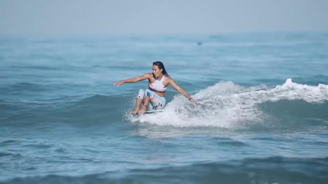 Alternative Lines: The Faces of Women's Longboarding in 2018