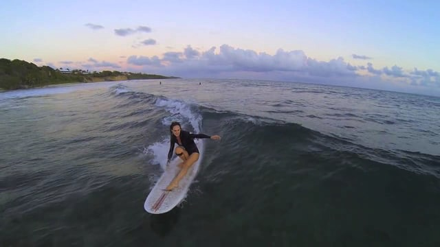 Stick your Toes - Surfing Longboard