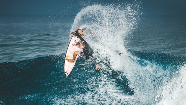 Charly Quivront Lets Loose in Hawaii | Volcom Surf