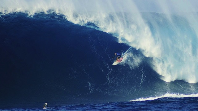 Jaws Lights Up With Another Mega Swell | Filmers @ Large