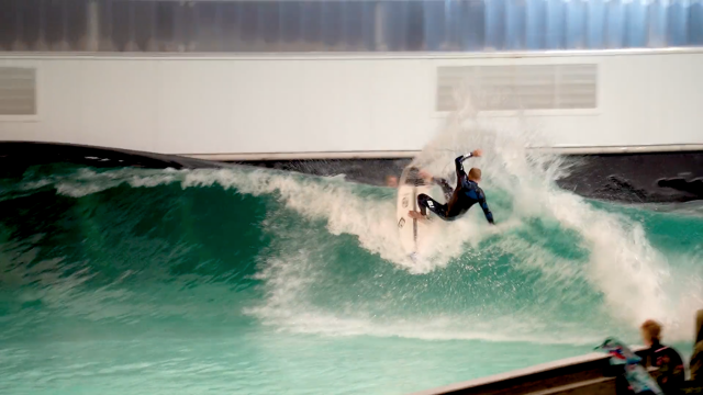 Australian Pros Night Surf in the Wavegarden Cove