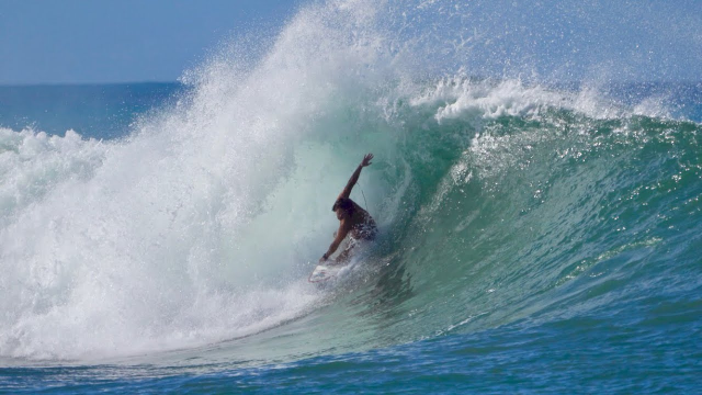 Surfing Ala Moana Bowl