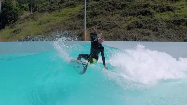 Mateus Herdy's Solo Surf Session
