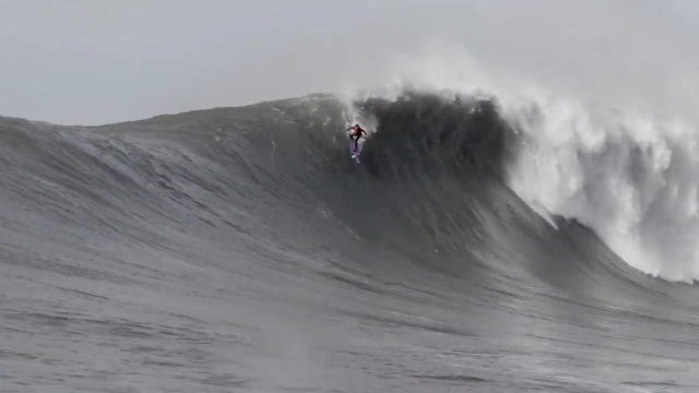 GIANT WAVES AT MAVERICKS