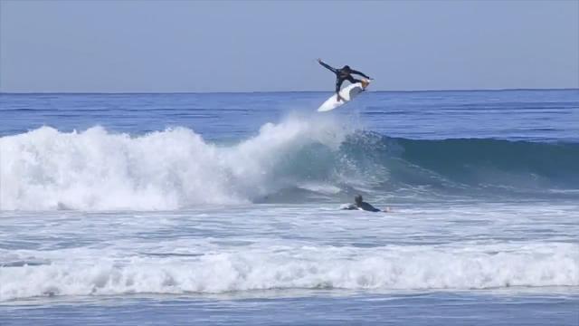 Krystian Kymerson - Surf rapido em Black's Beach CA