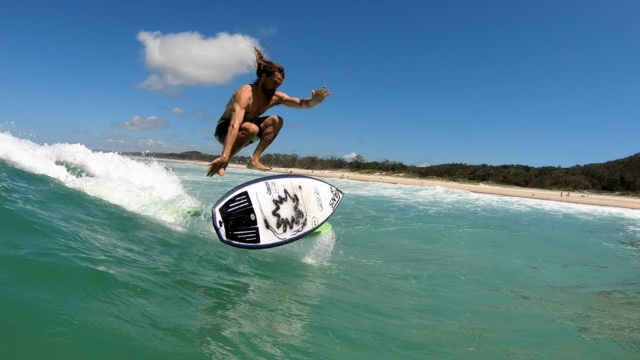Finless fun in Byron Bay with Thomas Hermes and Kyuss King