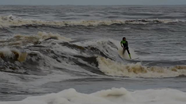 Marco Giorgi surfing at home - Uruguay 2016
