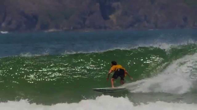 Jalan di Bulan - Surfing In Indonesia