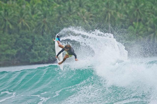 Pedro Husadel // Mentawaii