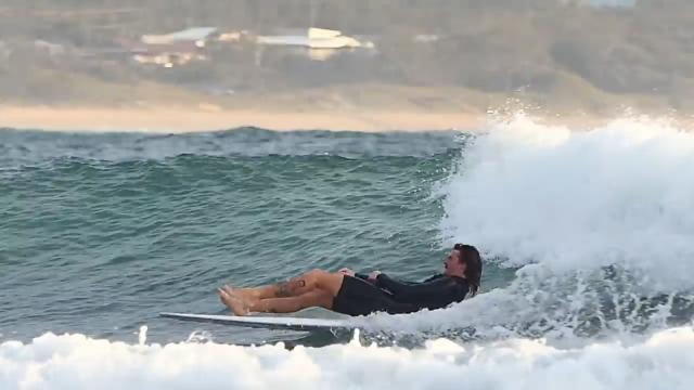Declan/Fraser/Jared/Tia - Last surf before Noosa!