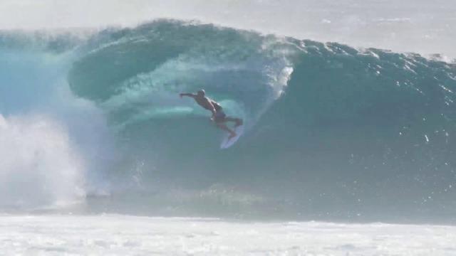 Kelly Slater surfs a 5'3 Slater Designs Omni