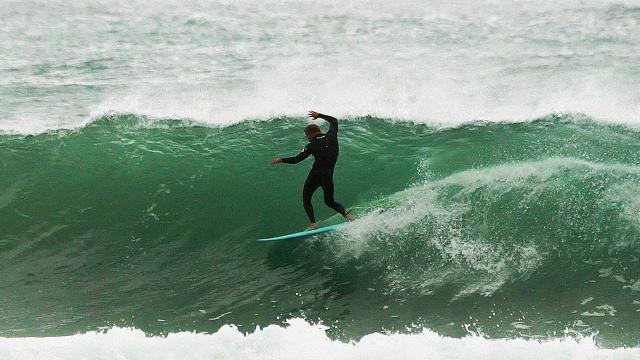 Mick Fanning Surfs The FCS II MR Twin Fins