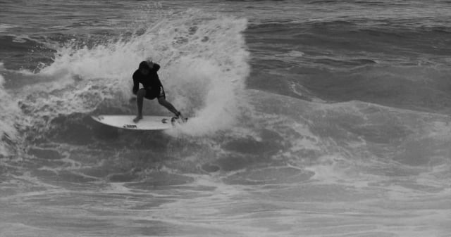 VOLCOM: BLACK AND WHITE HEAVY AS THE STONE