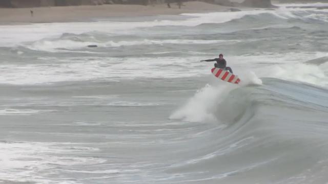 2 SURFS 1 STUMP