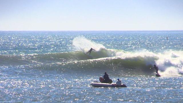 Surfing Grinding Sandbar Raw
