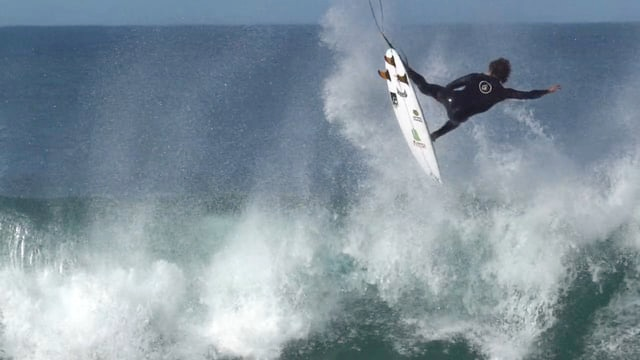 "Yago Dora ""8 days in J-Bay"""