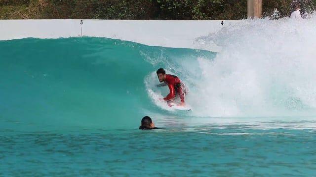 Filipe & Friends Surf the Wavegarden Cove
