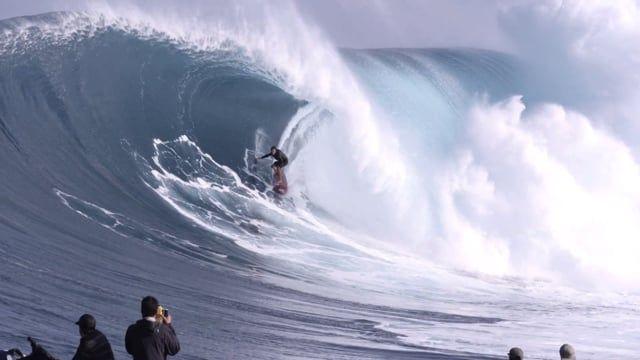 SURF RED CAMERA GREG LONG BARREL AT JAWS 2016